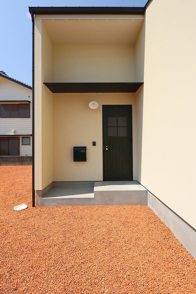 シンプルな2階建のお家03