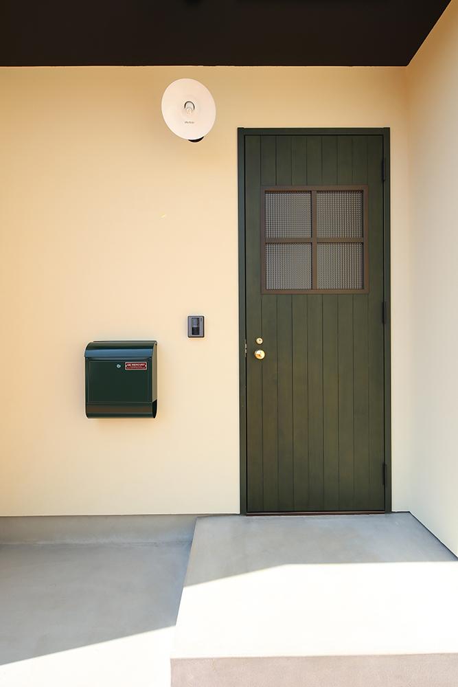 シンプルな2階建のお家04