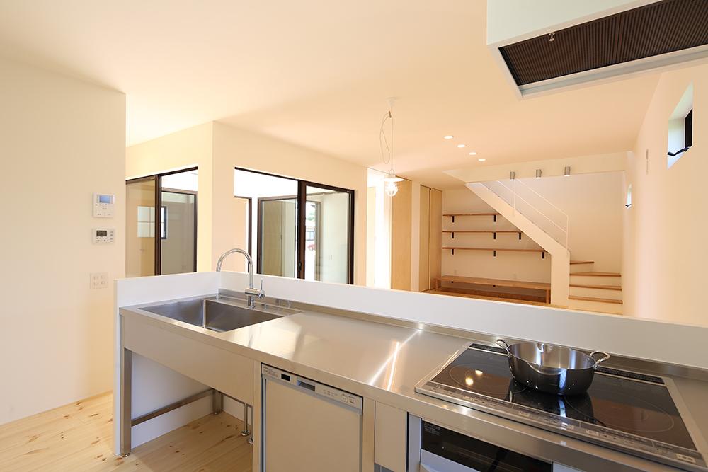 シンプルな2階建のお家06