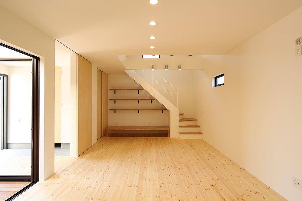 シンプルな2階建のお家09