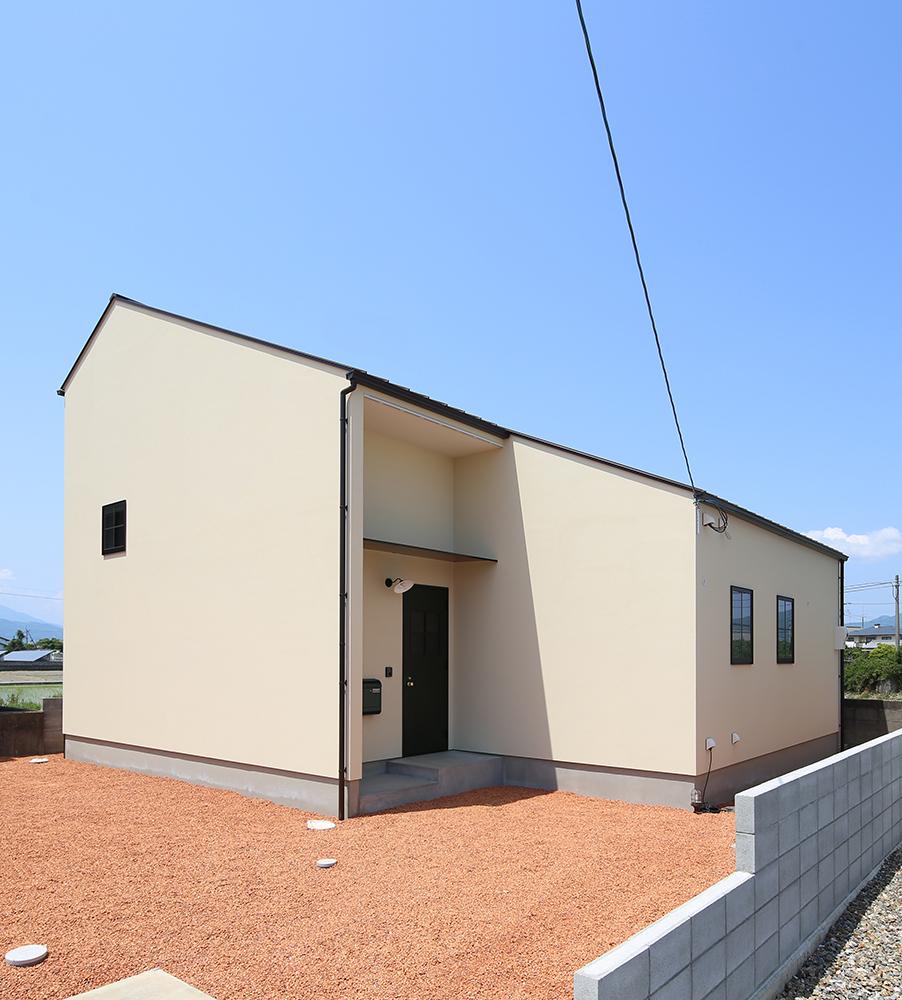 シンプルな2階建のお家02